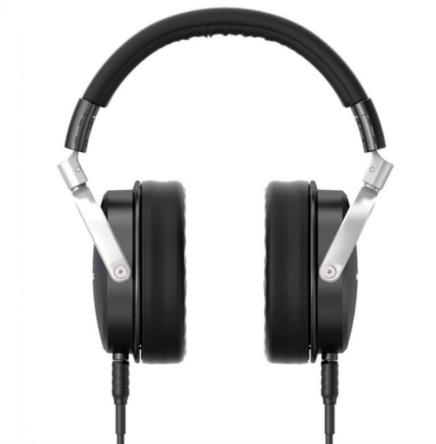 techweekmag SoundMAGIC HP1000 Review • Outsider